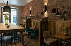 Zapraszamy na ulice Kaszubską 67 w Szczecinie, do obejrzenia z bliska naszych produktów :). Wykonaliśmy m.in. stoły, stoliki, hokery, regały,  szafki, wieszaki, lamperie ze starych desek.  #regaliapm #staredrewno #drewno #meble #mebledrewniane #oldwood #wooden #furniture #wnętrze #interior