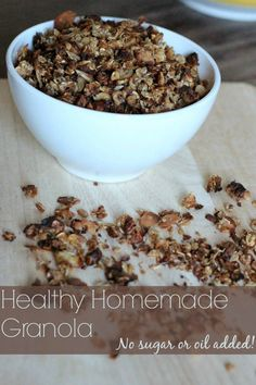 Healthy homemade granola. No need for sugar or oil in this recipe! Just all the good stuff! #Granola #healthy Real Food Recipes, Snack Recipes, Cooking Recipes, Yummy Food, Healthy Recipes, Healthy Bars, Healthy Treats, Eat Healthy, Granola