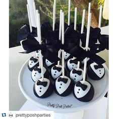 So perfect! Love these tuxedo cake pops! - Tuxedo - Ideas of Tuxedo - So perfect! Love these tuxedo cake pops! Baby Boy 1st Birthday Party, Baby Party, First Birthday Parties, Birthday Party Themes, First Birthdays, Birthday Cake, Baby Cake Pops, Tuxedo Cake, Boss Baby