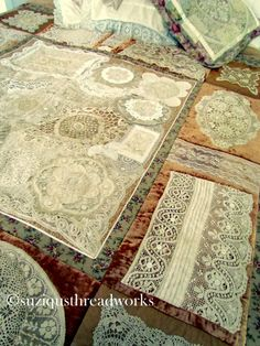 Suziqu's Threadworks: A bit of Lace and A dash of Velvet <3 Probably the most stunning quilt I have ever laid eyes on!!! <3