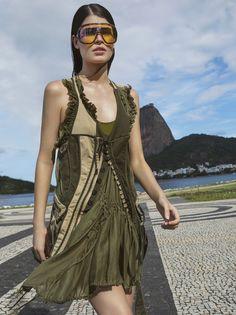 Summer in Rio – Issuu High Fashion Looks, Fashion Hub, Fashion Models, Spring Fashion, Autumn Fashion, Fashion Design, Sporty Outfits, Summer Outfits, Summer Looks