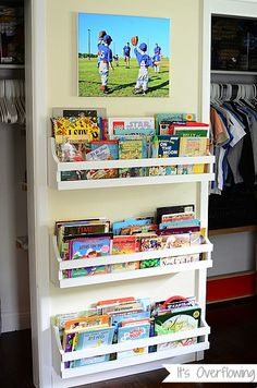 DIY: How to Build a Wall Mount Bookshelf...its easy!  Click pic to see diagram with steps!