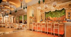 The Wynn's #Michelin-starred Wing Lei has undergone a dramatic makeover, replacing its deep, formal reds with colors evoking traditional #Chinese #jewelry.