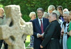 MP Philip Hammond at service to honour Send pilot - Get Surrey