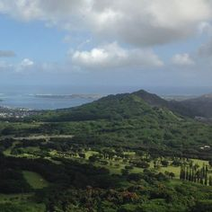 【hawaii_703】さんのInstagramをピンしています。 《空気が綺麗! #景色 #景色綺麗 #絶景 #風景 #風景写真 #光景 #山 #森林 #空 #雲 #青い空 #海 #ドライブ #丘 #自然 #ホノルル #ハワイ #眺め #landscape #scene #sky #cloud #natural #sea #forest #mountain #hawaiii #niceview #bluesky #beautiful》