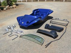 Kick-Out SS full kit in blue metalflake. Meyers Manx kit buggy