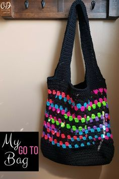 My Go To Bag is my practical, everyday crocheted bag! Free Pattern. #redheartyarns #joycreators