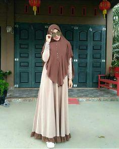Hijab Style Dress, Casual Hijab Outfit, Hijab Chic, Chic Dress, Niqab Fashion, Muslim Fashion, Fashion Outfits, Skirt Fashion, Modele Hijab