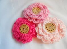 Flower Accessory Pin  Pinks by Merchant3114 on Etsy. Only $3 each!