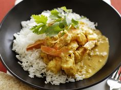 Easy prawn curry, prawn recipe, brought to you by Australian Women's Weekly Easy Prawn Recipes, Shellfish Recipes, Best Vegetarian Recipes, Curry Recipes, Seafood Recipes, Asian Recipes, Cooking Recipes, Healthy Recipes, Weekly Recipes