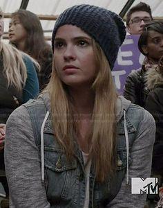 Malia's denim jacket with grey sleeves on Teen Wolf. Outfit Details: http://wornontv.net/36740/ #TeenWolf