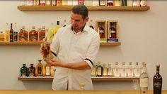 Barkeeper und Spirituosenexperte Lukas Buttazoni verkostet für uns den Grappa Le Diciotto Lune Stravecchia von Marzadro.