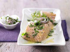 Ganz leicht und dabei richtig raffiniert: Lachsfilet mit Safranbutter - in Folie gegart | Kalorien: 299 Kcal - Zeit: 25 Min. | eatsmarter.de