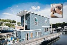 Twin Cities' actress Austene Van lives on a remodeled Mississippi River houseboat.