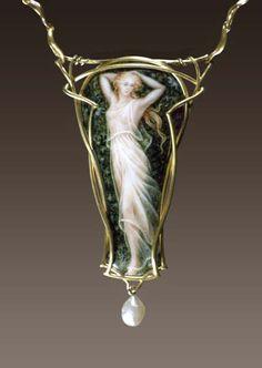 "Larissa Podgoretz Necklace ""Dancer II"" / Enamel,18k gold, pearl"