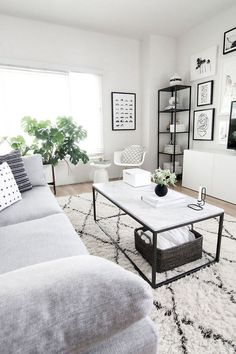 Nice 40 Beautiful Minimalist Living Room Decor Ideas https://decorapatio.com/2017/08/15/40-beautiful-minimalist-living-room-decor-ideas/