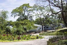 Budete příjemně překvapeni profesionalitou a krásou nejen staveb, ale i vybavení a tropických zahrad.