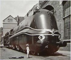 Deutsche Reichsbahn Steam Locomotive on display at Nürnberg, Germany. Orient Express Train, Train Companies, S Bahn, Bonde, Train Art, Electric Train, Old Trains, Train Engines, Custom Cars