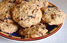 Biscuits au gruau et aux dattes | .recettes.qc.ca Biscuits, Raisin Cookies, Biscuit Cookies, Cookie Bars, Macarons, Coco, Muffins, Peanut Butter, Oatmeal