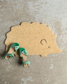 The Danica Studio Hedgehog Doormat adds a touch of practical décor to your apartment, condo or home entry. Cute Posts, Baby Animals, Bespoke, Hedgehog, Cool Pictures, Baby Kids, The Creator, Doormat, Studio