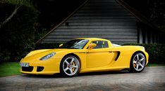 When Porsche decided to attach the GT appellation to Carrera in it marked a return to its competition roots, the new flagship supercar's looks Porsche Carrera Gt, Porsche Gt, Porsche 911 Turbo, Roadster, Yellow Car, Cars Uk, Car And Driver, Hot Cars, Motor Car