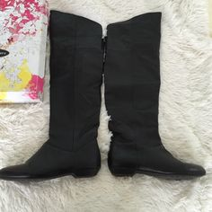 Chinese Owl 'Night Owl' over the knee boots Leather flat over the knee boots in black. The top can be folded down to be knee high boots. These have some wear on the heels and back. Very comfy and great for cold blustery days. Please ask me any questions. Chinese Laundry Shoes Over the Knee Boots