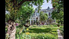她花14年在家裡造了400㎡花園,美如仙境! Dream Garden, Home And Garden, Edible Garden, Fairy Land, Permaculture, Dream Life, Beautiful Gardens, Outdoor Gardens, Outdoor Structures