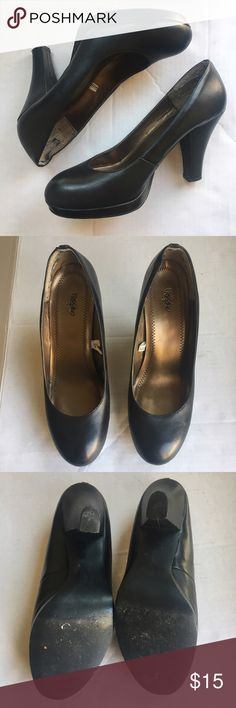 Black Heels Heels in perfect condition. Worn a few times. Comfortable fit. #K170 Mossimo Supply Co Shoes Heels