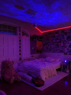 Neon Bedroom, Cute Bedroom Decor, Room Design Bedroom, Teen Room Decor, Room Ideas Bedroom, Bedroom Inspo, Chill Room, Cozy Room, Pinterest Room Decor