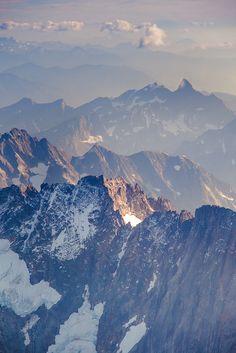 Montagnes...  http://vitrierparis4.urgence-plombier-electricien.fr