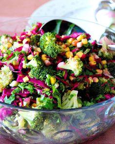 Egyptian Broccoli Salad broccoli- Mısırlı Brokoli Salatası … – Vejeteryan yemek tarifleri – Las recetas más prácticas y fáciles Broccoli Salad With Raisins, Healthy Broccoli Salad, Healthy Corn, Healthy Salad Recipes, Raw Food Recipes, Appetizer Recipes, Cauliflower Couscous, Healthy Recepies, Different Vegetables