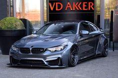 BMW M4 LIBERTY WALK @VDAKKER