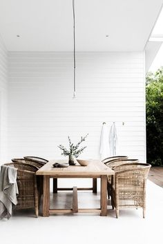 my scandinavian home: 16 Inspiring Outdoor Terraces for Every Size, Style and Bu. my scandinavian home: 16 Inspiring Outdoor Terraces for Every Size, Style and Budget - minimalist outdoor space with rattan furniture. Diy Garden Furniture, Rattan Furniture, Rattan Chairs, Furniture Ideas, Antique Furniture, Furniture Websites, Classic Furniture, Furniture Inspiration, Pallet Furniture