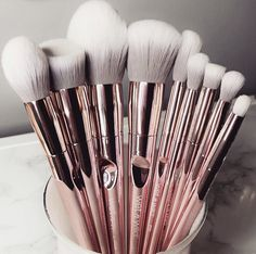 BS-MALL New 14 Pcs Makeup Brushes Premium Synthetic Kabuki Makeup Brush Set Cosmetics Foundation Blending Blush Eyeliner Face Powder Brush Makeup Brush Kit(golden Pink) - Cute Makeup Guide Best Makeup Brushes, How To Clean Makeup Brushes, Makeup Brush Set, Best Makeup Products, Beauty Products, Makeup Eraser, Cute Makeup, Pretty Makeup, Unique Makeup