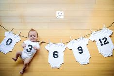 Idée Suivi de bébé - Corde à linge Baby follow up idea - clothesline  Par / By Genevieve Albert Photographe(r) https://www.facebook.com/pages/Geneviève-Albert-Photographer/13522013095