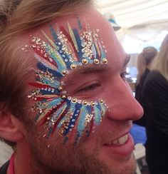 ✨Festival makeups not just for the gals! Loved this tribal explosion ✨@itsinyourdreams