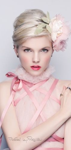 Regilla ⚜ Una Fiorentina in California - Pink Ribbons, Pink Organza Fabric, Pink Rose Hair Decoration: The Lady Loves Pink