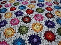 Hexagons. No pattern, but THIS will be MINE! The colours make me so freaking HAPPY. C