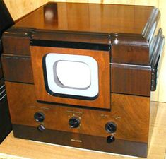 Westinghouse WRT-700 from 1939.