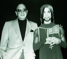 Rare pic of Prince with music mogul Clive Davis 1999.