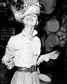 Audrey Hepburn photographed by Earl Theisen 1954. - #AudreyHepburn #Cinema #Movie #ClassicMovies #ClassicHollywood #OldHollywood #Vintage #VintageHollywood #VintageFilm #VintageMovies #Hollywood #GoldenAgeCinema #GoldenAgeOfHollywood #OldMovies #GoldenAge #GoldenEra by sweetaudreyhepburn