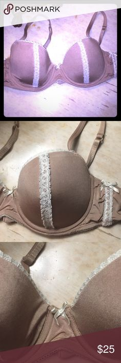 B. Tempt'd 36B Tan & Ivory Demi Bra B. Tempt'd 36B Tan & Ivory Demi Bra with Lace Details. Preloved. Clasp is slightly bent but is still functional. Only worn a few times. Otherwise bra is in very good condition! B. Tempt'd Intimates & Sleepwear Bras