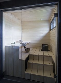 People have been enjoying the benefits of saunas for centuries. Spending just a short while relaxing in a sauna can help you destress, invigorate your skin Jacuzzi, Sauna Steam Room, Sauna Room, Indoor Pools, Bathroom Spa, Modern Bathroom, Mini Sauna, Modern Saunas, Outdoor Sauna