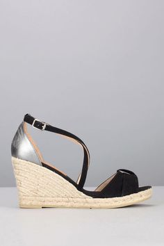 722f0c74d210f9 Sandales compensées cuir suède noir / cuir lisse argenté 1. Apolline Voyeau  · Chaussures