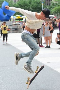 Justin Bieber - Enjoying his skateboard ride