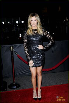 Ashley Tisdale: 'That Awkward Moment' Premiere | ashley tisdale tam premiere 02 - Photo