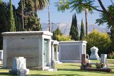 """Best of California on a Budget:     BEST CELEBRITY CEMETERY: HOLLYWOOD FOREVER, LOS  ANGELES:    Some early Hollywood stars and studio founders are interred at this star‐studded cemetery, founded in 1899 as Hollywood Memorial Park.  They include silent actors Douglas Fairbanks and Rudolph Valentino, """"Little Rascals"""" Darla Hood and Carl """"Alfalfa"""" Switzer, and producer  Cecil B. DeMille. Maps help visitors find these and other notable celebrities such as musician Johnny Ramone...    More..."""