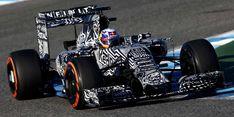 Red Bull in car camo testing at Jerez. Horse Racing Bet, Red Bull Racing, F1 Racing, Formula 1, Course Red Bull, Grand Prix F1, Camouflage, Adrian Newey, Automobile