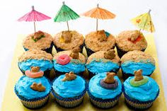 Beach Bear Cupcakes-Thanks, Gina Marie Bee, for sharing these. I'm going to ask some parents to provide the cupcakes FROM a store since we aren't allowed to have home-baked items and we'll decorate and enjoy on LAST DAY. Beach Cupcakes, Cute Cupcakes, Party Cupcakes, Cute Cupcake Ideas, Summer Themed Cupcakes, Fish Cupcakes, Tropical Cupcakes, Hawaian Party, Cupcakes Decorados