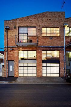Two Story Warehouse Conversion in Abbotsford – Loft İdeas 2020 Warehouse Apartment, Warehouse Living, Warehouse Home, Warehouse Design, Converted Warehouse, Warehouse Conversion, Conception D'entrepôts, Loft D'entrepôt, Loft Cafe